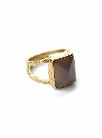 Grey square ring