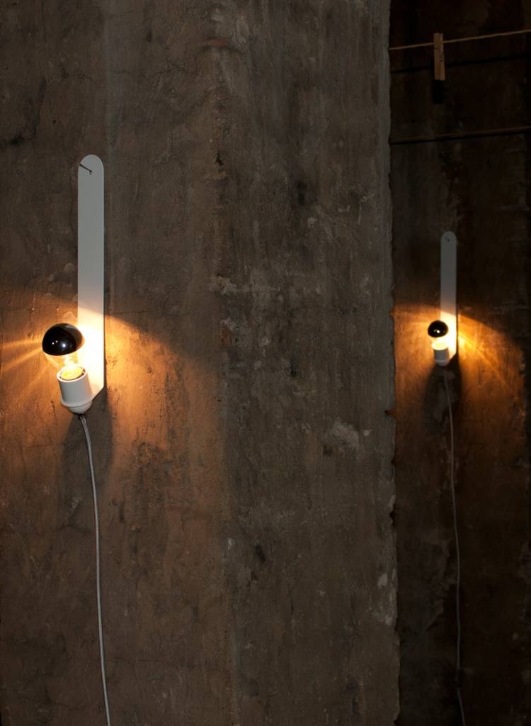 "Toshi Wall-lamp ""Skipper"" - Made of powder coated sheet of steel"