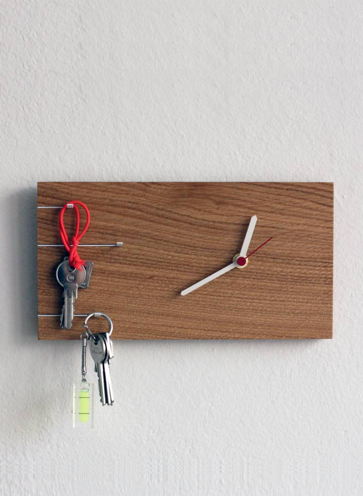 """Toshi Key holder """"Nova clock"""" - Provides two functions in one"""