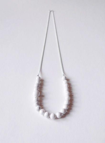 Felicious Halskette I 925er Silber und Magnesit Perlen