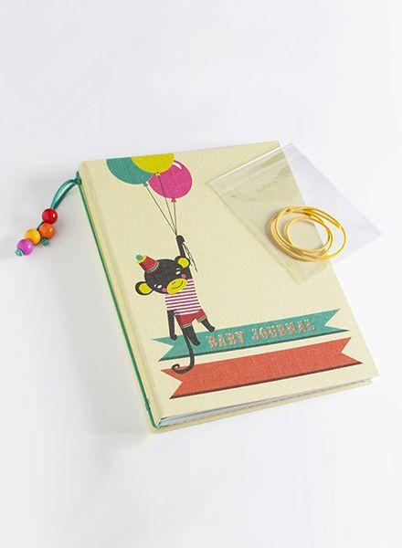 Wednesday Baby Journal I Little Circus - Fadengeheftet mit bedrucktem Leinen bezogen