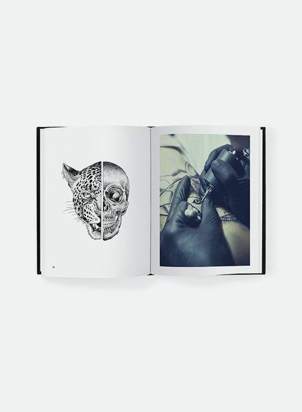 """Valentin Hirsch Valentin Hirsch I Buch """"Symmetries"""" Tattoo-Kunst"""