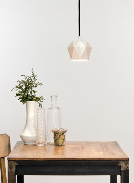 "GANTlights Pendant lamp ""Trinagle K1"" made of porcelain"