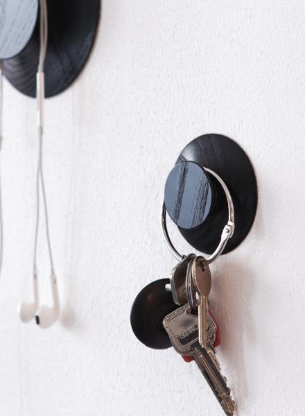 "Objekte unserer Tage Wardrobe hooks ""Hoffmann"" made of wood"