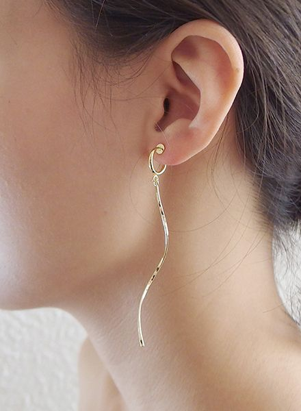 """SIBYLAI Ohrringe """"No.7 Gold"""" hergestellt aus vergoldetem Messing auch für nicht gelochte Ohren"""