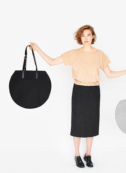 "Sarah Johann Bag ""Visby"" Black - hip shopper made of durable cotton canvas"