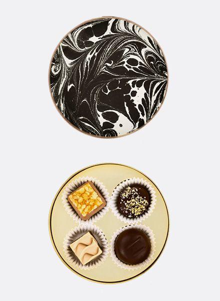 "Sawade Round Box of Chocolates ""Brandenburger Tor"" - made by Sawade Berlin"