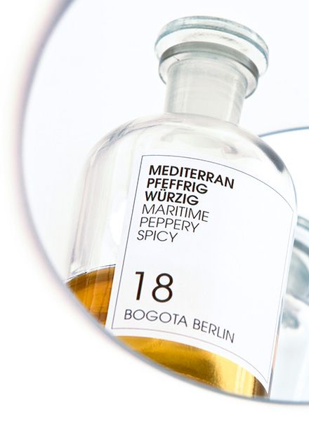 "Frau Tonis Parfum Parfum No. 18 ""Bogota Berlin"" - Peppery, spicy, maritim"