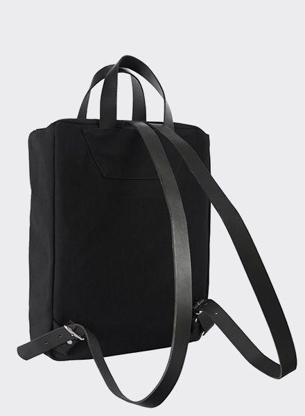 rucksack pajala schwarz von sarah johann kaufen of berlin. Black Bedroom Furniture Sets. Home Design Ideas