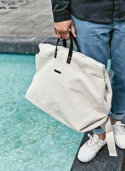 Hänska Tasche aus cremfarbenem Leinen für Wochenendausflüge - auch als Rucksack tragbar