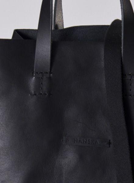 Hänska Shopper/Rucksack aus schwarzem pflanzlich gegerbtem Leder