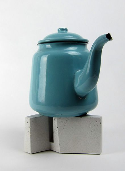 """Lalupo Teapot-warmer """"Schub""""- handcrafted of concrete"""