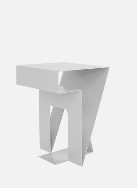 "Objekte unserer Tage Side table ""Neumann"""