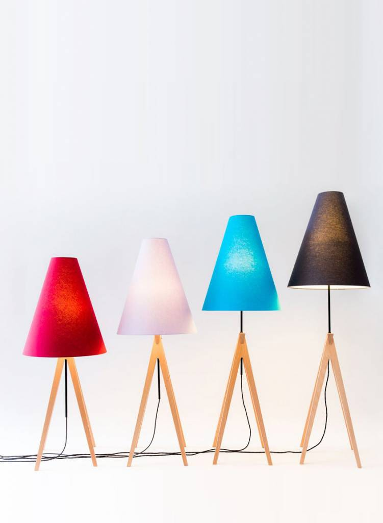 Alex Valder Stehlampe Laemple - Höhenverstellbare Lampe aus Buchenholz