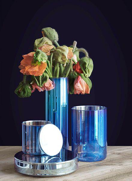 "Fundamental Vase ""Benzin"" - Vase aus semi transparentem Glas in schimmernden Regenbogenfarben"