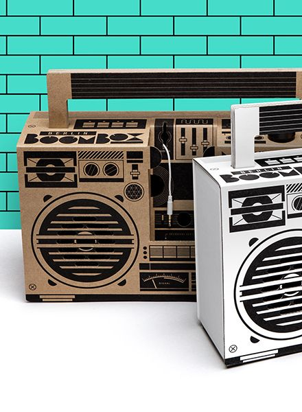 """Berlin Boombox Berlin Boombox """"Classic"""" Braun - Mobiles Lautsprechersystem aus 100% recycelter Pappe"""