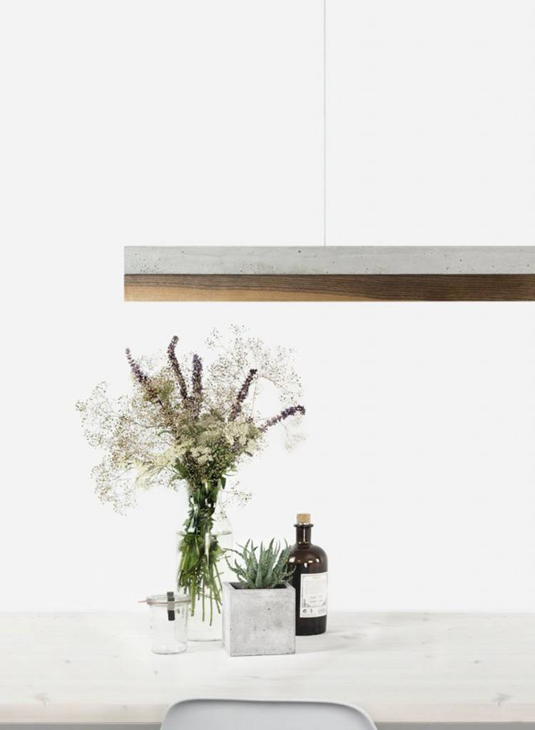 GANTlights Gantlights Hängeleuchte [C1] - Leuchte mit Körper aus hellgrauem Beton und Lampenschirm aus Nussbaum