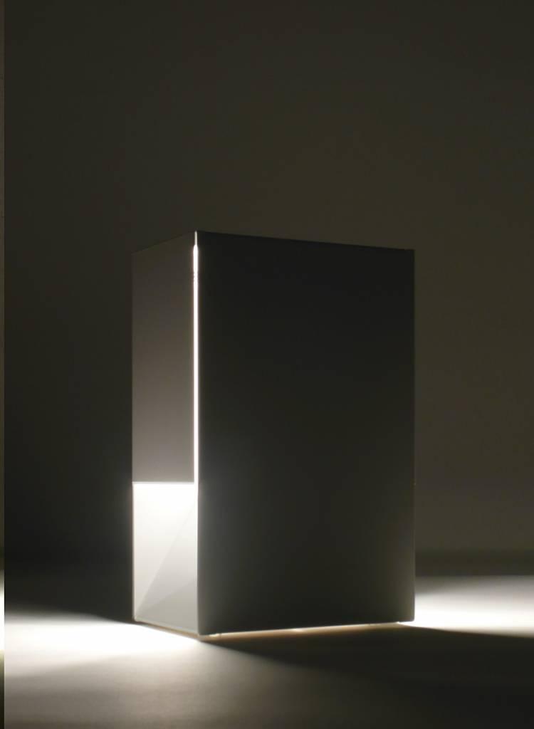 "Linea1 Tischleuchte  ""Linea1_tl.s"" - Leuchte aus feuerverzinktem Stahl"