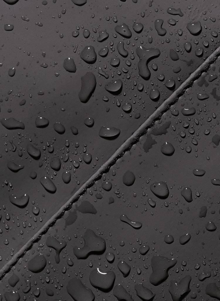 """Ucon Acrobatics Rucksack """"Alan""""  Schwarz (Lotus Series) - Obermaterial aus gummiertem PVC"""