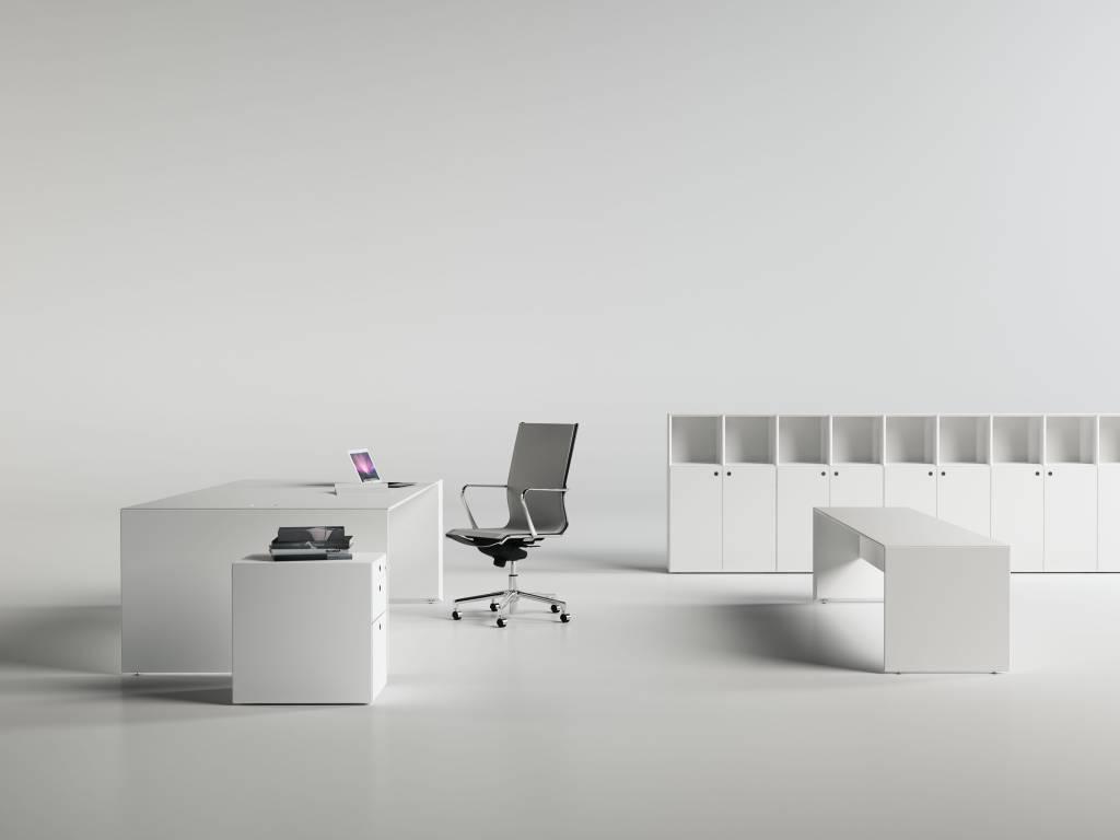 Fantoni quaranta5 bureau 75cm diep design online meubels for Bureau 75 cm