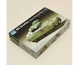 M2 Bradley Tank Schaalmodel