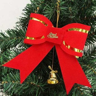 Strik voor in de Kerstboom
