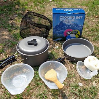 Outdoor camping pannenset met kookgerei