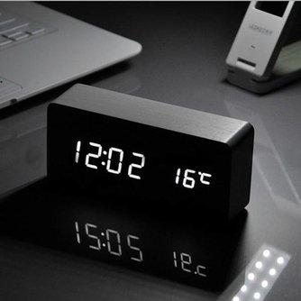 LED Digitale Wekker met Houten Frame