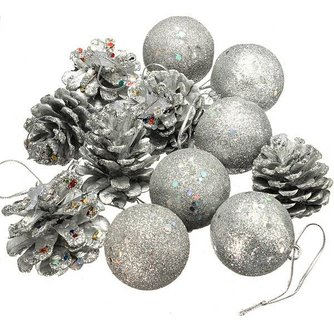 Zilveren Kerstboom Versiering 12 Stuks