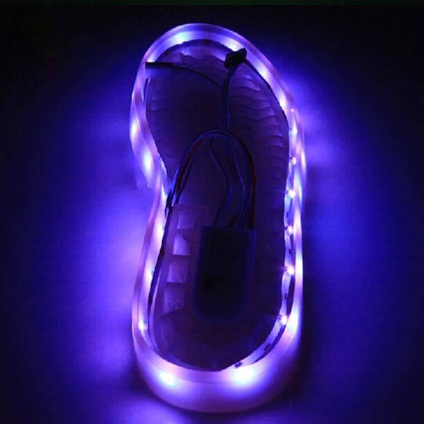 Oplaadbare led verlichting voor schoenen 1m kopen i for Bewegingssensor voor led verlichting