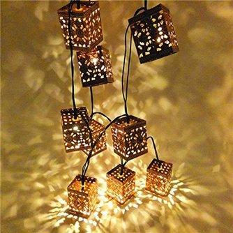 Slinger met 10 Houten LED Lantaarns