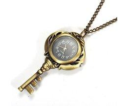 Horloge aan Ketting in de Vorm van een Sleutel