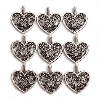 Zilverkleurige Hartvormige Hangers 12 Stuks