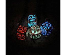 Vintage Halsketting met Lichtgevende Glow-in-the-Dark Kubus