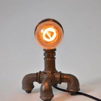 IJzeren Lamp In Vintage Stijl