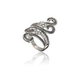 Grote Ring met Krullerig Design