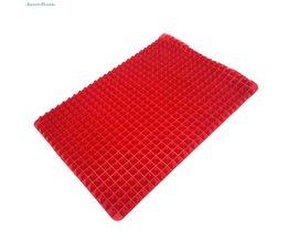 Niet Stok Hittebestendige Verhoogde Piramide Vormige Siliconen Bakken, roosteren Matten-16 Inches X 11.5 Inches-Rood