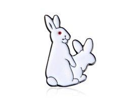 1 stks Cartoon Leuke 2 Witte Konijnen Evil Broche Pins Dier Broche Denim Jasje Pin Badge SpoofGrappige Mode sieraden