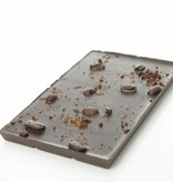 Tablet pure chocolade met geroosterde koffieboon