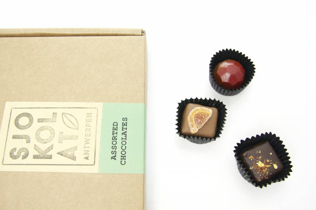 45 assorted chocolates in presentation box