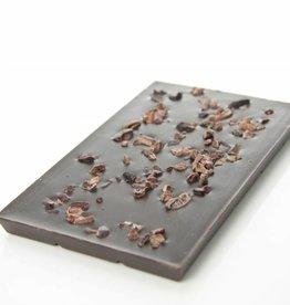 Pure chocolade 90% cacao met cacao nibs