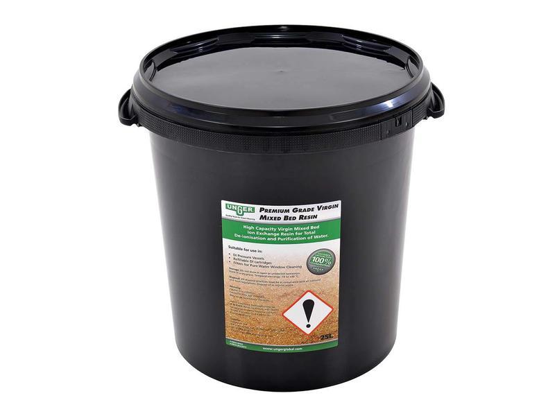 Unger Unger HiFlo hars in een 25 liter emmer