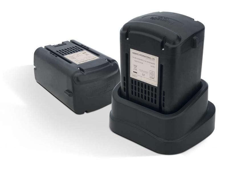 Numatic Numatic Batterij Rugstofzuiger RSV-140 Kit AA30E Rood
