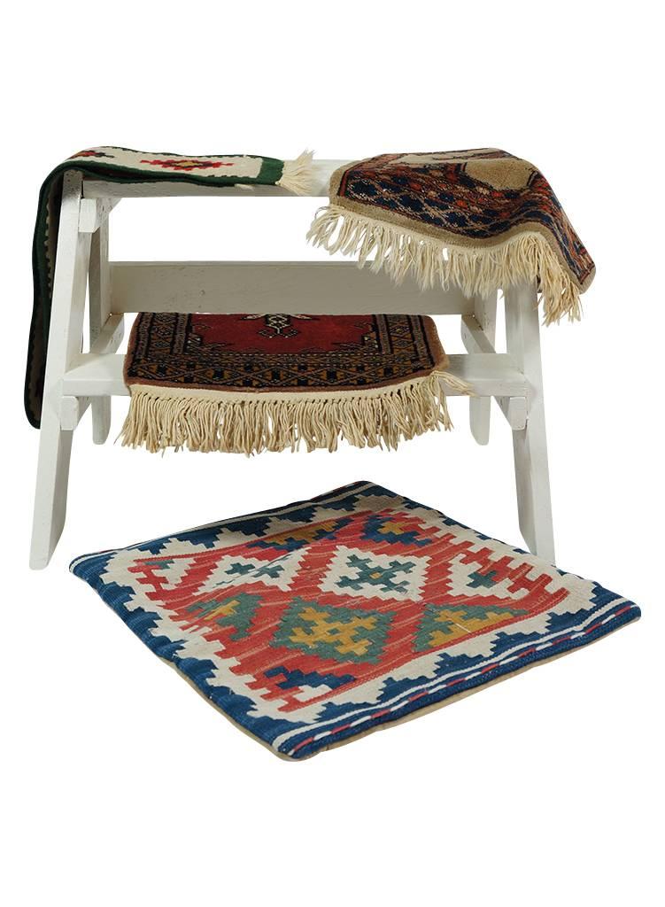 tapis vintage petits tapis persan tapis marocain rerags vintage clothing wholesale. Black Bedroom Furniture Sets. Home Design Ideas