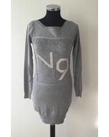 Pullover mit Strasssteinen Grau