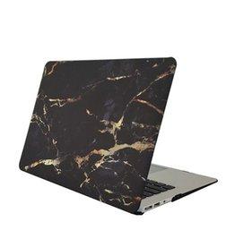 My Interior Musthaves Zwarte marble look macbook cover