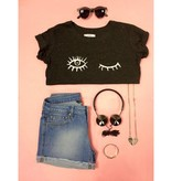 Create your own style Grijs cropped T-shirt met knipoog