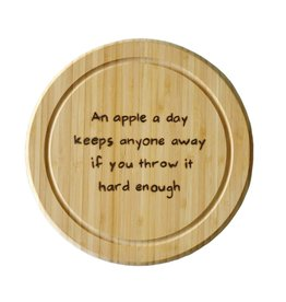 Gekkiggeit Snijplank an apple a day keeps anyone away