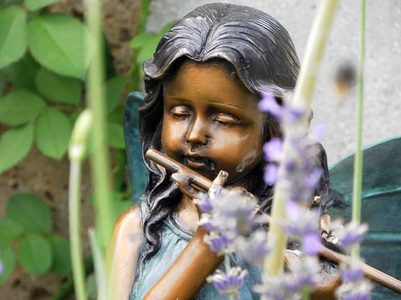 Elfe mit Flöte