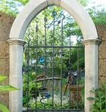 Kunstvolles Gartentörchen